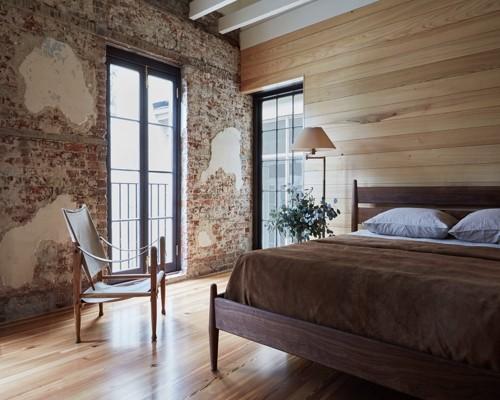 планкен на стене